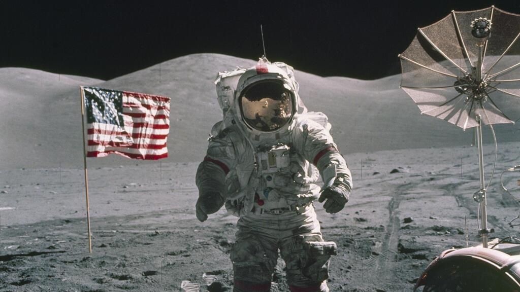 La misión del Apolo 17 marcó la última expedición del programa a la Luna. Según la NASA, la misión despegó después de la medianoche del 7 de diciembre de 1972 desde el Centro Espacial Kennedy y aterrizó en la superficie lunar el 11 de diciembre.