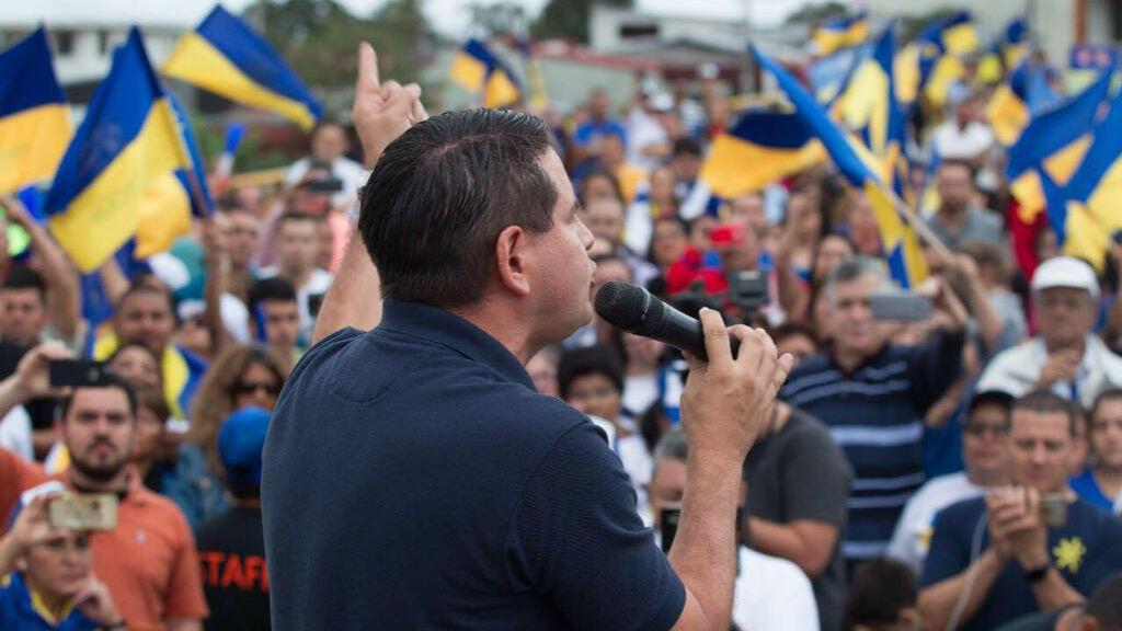 Fabricio Alvarado, candidato evangélico por el Partido Restauración Nacional (PRN), cerró el sábado 24 de marzo de 2018 su campaña de cara a la segunda vuelta presidencial en Costa Rica, a celebrarse el 1 de abril, donde competirá con Carlos Alvarado del Partido Acción Ciudadana (PAC).