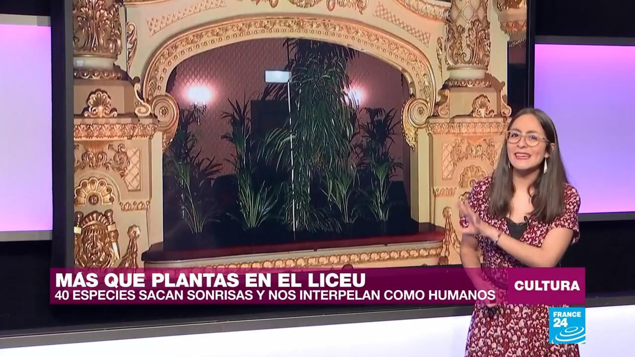 El artista Eugenio Ampudia recreó en el Teatre el Liceu de Barcelona una performance titulada 'Concierto del Bioceno'.