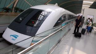 eL Tren de levitación magnética de Shanghái.