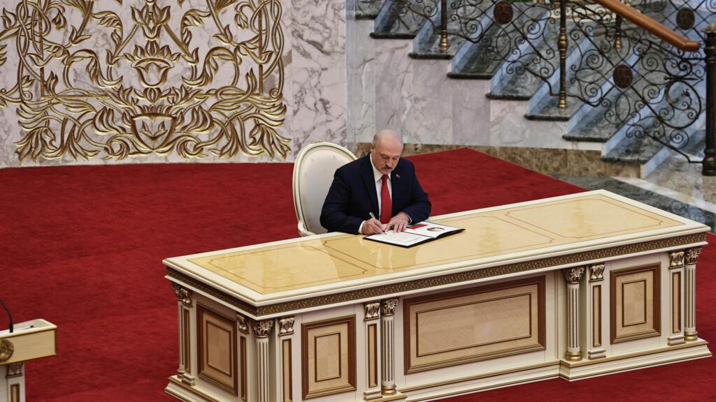 Biélorussie : Alexandre Loukachenko investi en catimini malgré la contestation