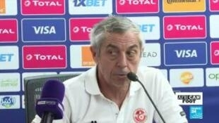 مدرب تونس ألان جيريس أمام الصحافة بالقاهرة.