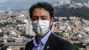 Foto de archivo del alcalde de Medellín, Daniel Quintero, en Medellín el 17 de junio de 2020, en medio de la pandemia por coronavirus.