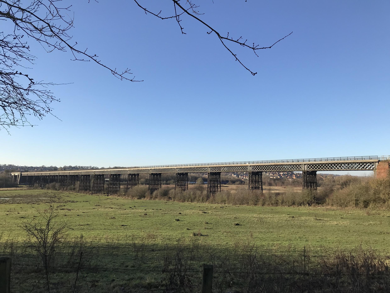 Le viaduc de Bennerley, symbole de la révolution industrielle, enjambe la rivière Erewash depuis 1878.