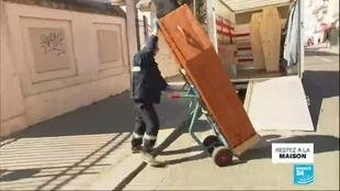 2020-03-26 13:02 Coronavirus en France : En Ehpad, le personnel alerte sur le manque de moyens