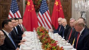 Donald Trump, Xi Jinping et leur délégation respective en marge du G20 à Buenos Aires, le 1er décembre 2018.