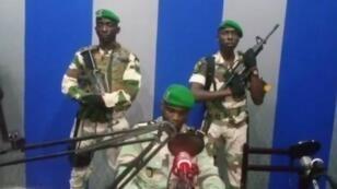 """Un grupo de soldados gaboneses llamó al pueblo a """"levantarse"""" en contra del actual Gobierno del presidente Ali Bongo, en Libreville, Gabón, el 7 de enero de 2019."""