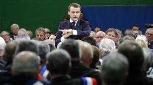 Emmanuel Macron lors du lancement du grand débat national, le 15 janvier 2019, à Grand-Bourgtheroulde.