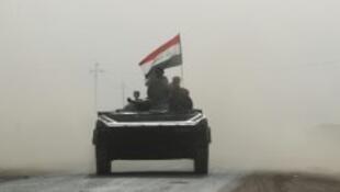 قوات عراقية تدخل قرية أبو شويحة جنوب الموصل، في 1 تشرين الثاني/نوفمبر 2016