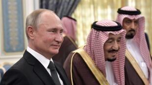 بوتين في ضيافة الملك سلمان بن عبد العزيز بالرياض. 14 أكتوبر/تشرين الأول 2019.