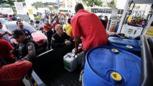 Supermercado de Río de Janeiro afectado por el desabastecimiento causado por el paro camionero en Brasil.