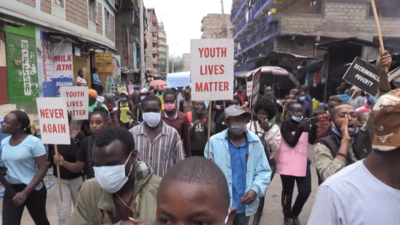 Manifestation contre les violences policières dans un bidonville de Nairobi