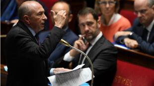 وزير الداخلية الفرنسي جيرار كولومب أمام الجمعية الوطنية في 3 تشرين الأول/أكتوبر 2017