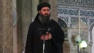 """Une des rares photos d'Abou Bakr al-Baghdadi, """"calife"""" autoproclamé de l'organisation État islamique."""