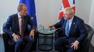 Archivo: Donald Tusk, presidente del Consejo Europeo, y el primer ministro británico, Boris Johnson, se reúnen en la sede de las Naciones Unidas en Nueva York, EE. UU., el 23 de septiembre de 2019.