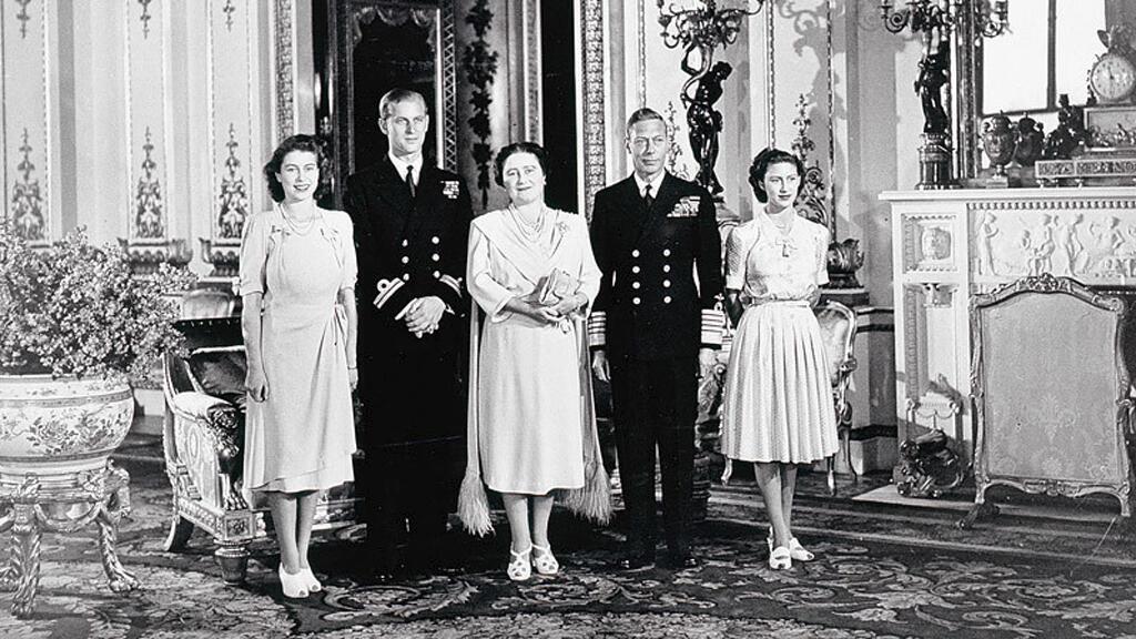 Compromiso de la princesa Elizabeth y el teniente Philip Mountbatten, en 1947.