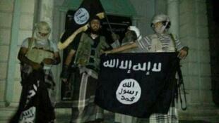 الصورة من فيديو دعائي للقاعدة باليمن