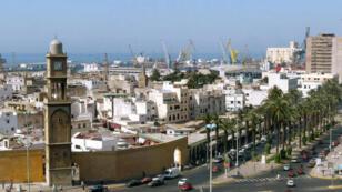 Vue générale de Casablanca, la capitale économique du Maroc en 2003.