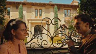 """Kristen Stewart et Jesse Eisenberg à l'affiche du film """"Café Society"""" de Woody Allen, au cinéma le 11 mai 2016."""