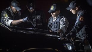 عناصر من الشرطة المغربية في مدينة القنيطرة الساحلية في 16 مايو 2019.