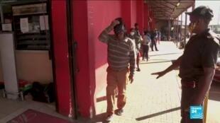 2020-06-02 10:11 Covid-19 : Ruée sur l'alcool après 2 mois d'interdiction en Afrique du Sud