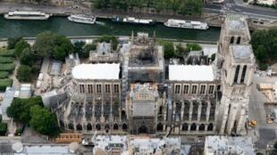 Vue aérienne de Notre-Dame de Paris, prise le 14 juillet 2019