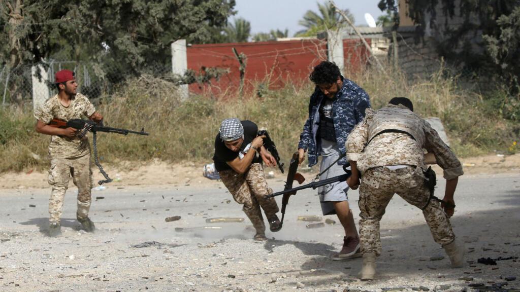 Explosions rock Tripoli as battle rages outside Libyan capital