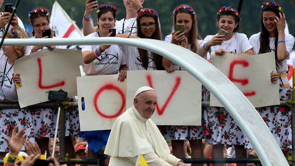 Le pape François accueilli par quelques 600 000 pèlerins dans la plaine de Blonia à Cracovie, le 28 juillet 2016.