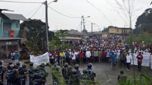 Des heurts ont éclaté à Libreville lors d'une manifestation de l'opposition, samedi 20 décembre.