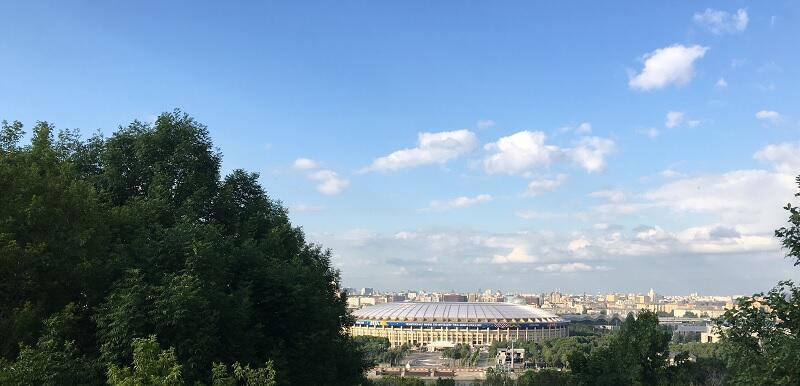 """هذا ملعب """"لوجنيكي"""" في موسكو الذي يحتضن مباراة الافتتاح بين السعودية وروسيا"""
