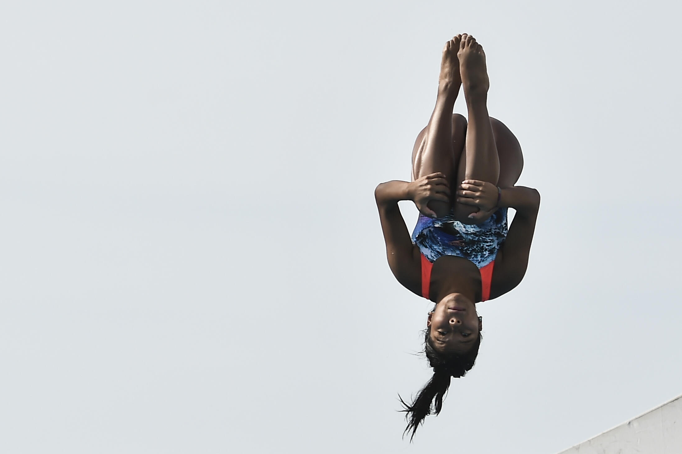 Ángela Hernández de Guatemala compite en natación, en la categoría de clavados.
