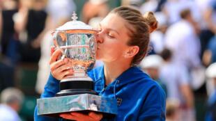 La Roumaine Simona Halep, victorieuse en finale de Roland-Garros 2018.