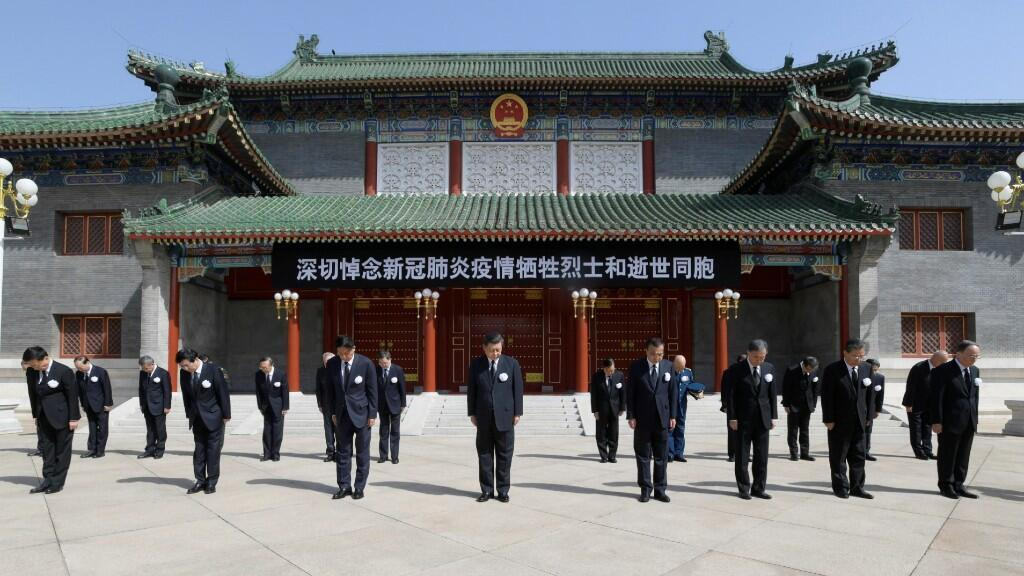 Varios líderes del Partido Comunista Chino permanecen en silencio durante el duelo nacional por los que murieron luchando contra el Covid-19. En el complejo de Zhongnanhai en Beijing, China, a las 10 a.m. 4 de abril de 2020.
