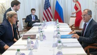 John Kerry et Sergueï Lavrov, vendredi 26 août 2016, lors de leur rencontre à Genève.