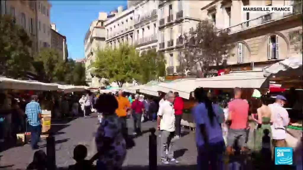 2021-09-01 12:13 Emmanuel Macron à Marseille pour aider la cité phocéenne à rattraper son retard