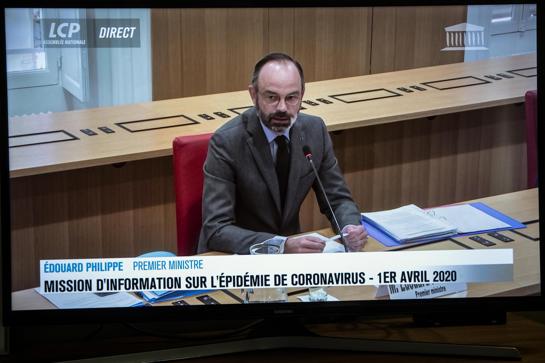 Édouard Philippe en videoconferencia con un grupo parlamentario en el canal francés 'LCP', en París, el 1 de abril de 2020.