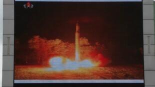 التجربة الصاروخية لكوريا الشمالية كما عرضها التلفزيون الكوري يوم 29 يوليو/ تموز الماضي