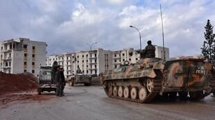 Les forces pro-gouvernementales dans un quartier est d'Alep, le 2 décembre 2016.