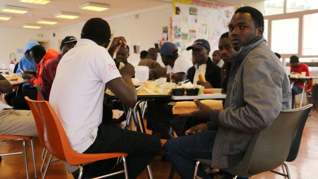 Le centre d'herbergement d'urgence Jaurès accueille 123 réfugiés soudanais et érythréens à Boulogne-Billancourt.