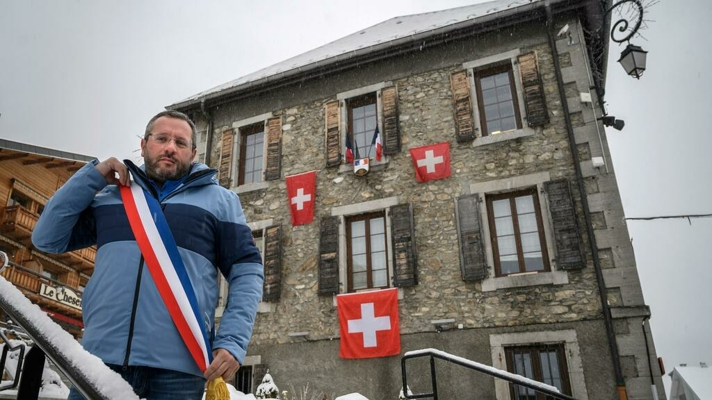 Covid-19: Forced to close, French ski resorts face 'catastrophe' as other nations keep slopes open