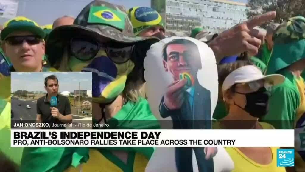 2021-09-07 18:06 Bolsonaro supporters march in Brasilia, held back from Supreme Court