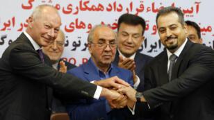 Thierry Bollore et Mansour Moazami ont signé un accord pour la création d'une co-entreprise en Iran.