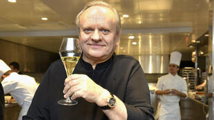 El francés Joël Robouchon, famoso por ser el chef con más estrellas de la guía Michelin del mundo, en uno de sus resturantes en Suiza (17/12/2013)
