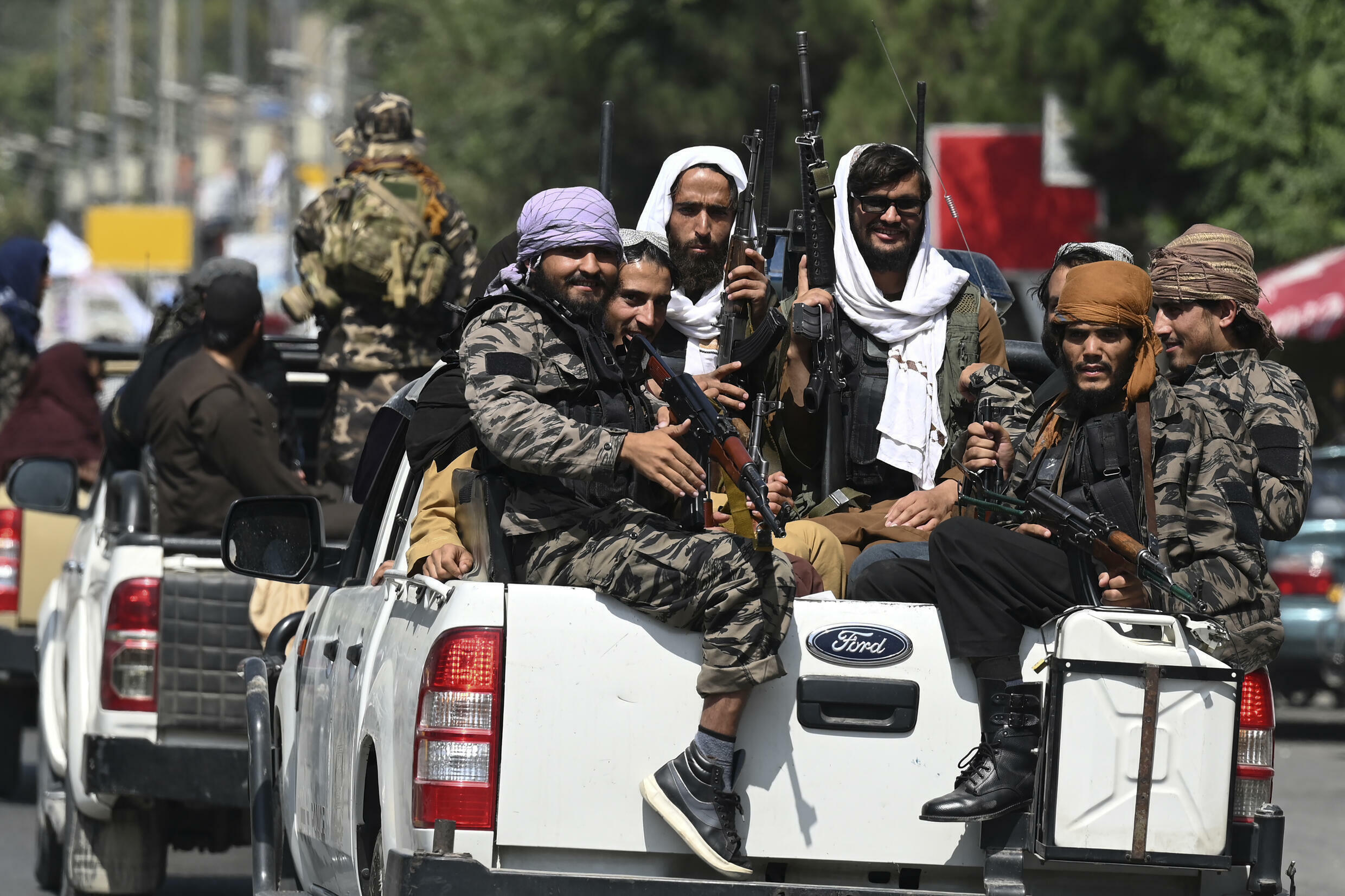 Taliban appear determined to defeat resistance before announcing government