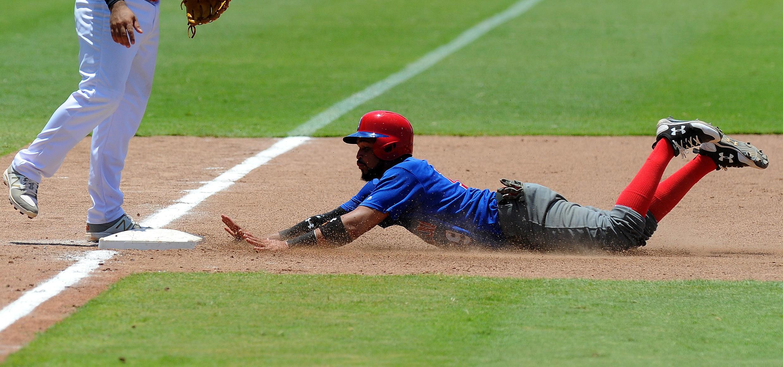 República Dominicana disputa ante Panamá un partido de béisbol.