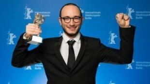 الممثل التونسي مجد مستورة الفائز بالدب الفضي لأفضل ممثل في مهرجان برلين في 20 شباط/فبراير 2016