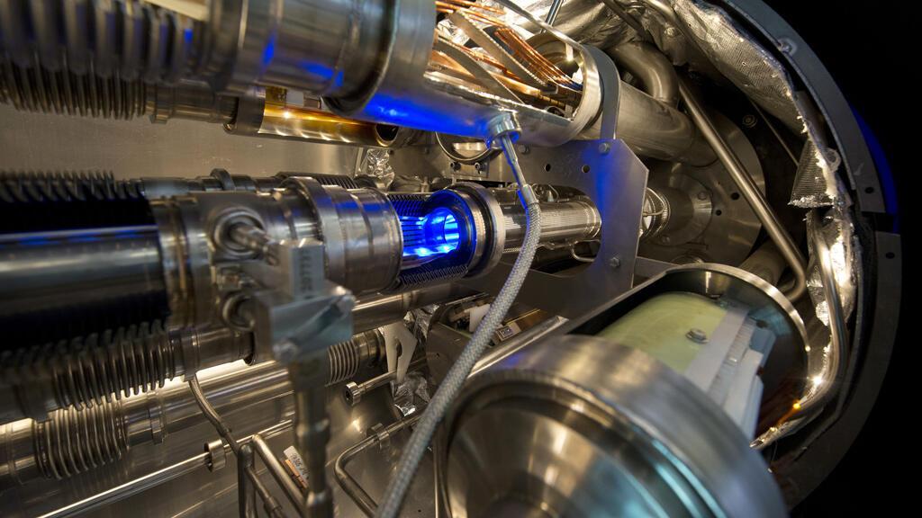 Vue intérieure du LHC, l'accélérateur de particules du CERN, prise le 10 février 2015.