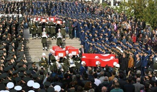 مراسم الجنازة ضحايا اعتداء أنقرة في مسجد كوجاتيبي، الجمعة 19 شباط/فبراير 2016
