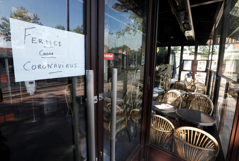 Un restaurant fermé à Paris, le 23 avril 2020.