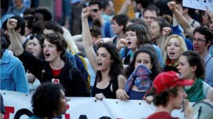Los estudiantes fueron unos de los grandes protagonistas de las protestas del 19 de abril en Francia.